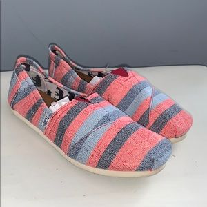 Woman's striped Toms size 10